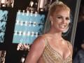 У Бритни Спирс расстегнулся бюстгальтер во время концерта