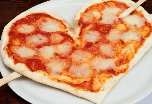 Рецепт                  Пицца в виде сердца ко дню Святого Валентина