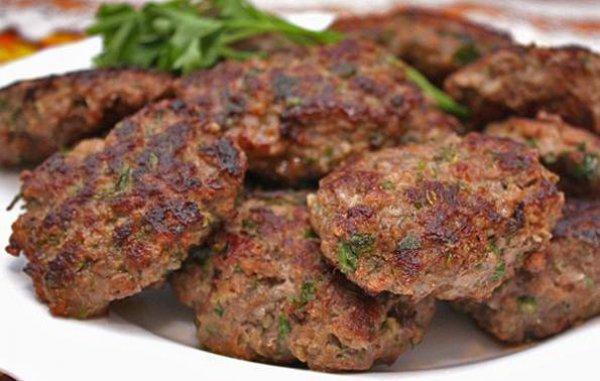 Рецепт                  Котлеты из баранины с зеленью