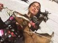 Ирина Шейк опубликовала стильное фото с козами