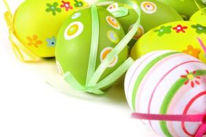 Украшая пасхальные яйца, полагайся на свой вкус и фантазию