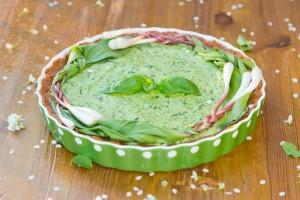 Тарт с начинкой из свежей зелени