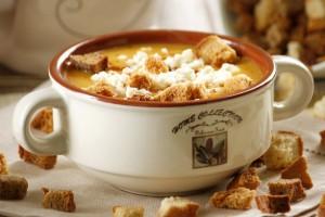 Подавай тыквенный крем-суп с гренками и фетой