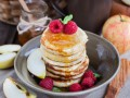 Оладьи с яблоками: три рецепта для завтрака