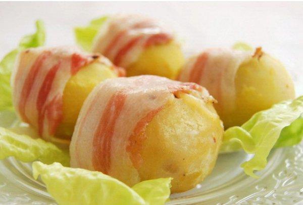 Фаршированный картофель подавай горячим