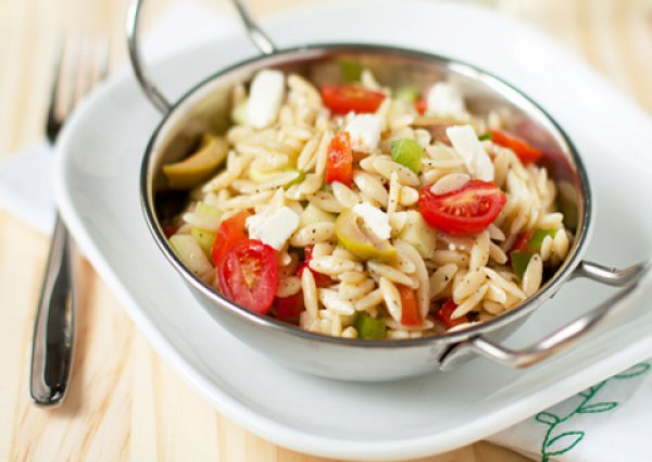 Рецепт                  Греческий пасхальный салат Орзо