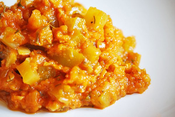 Рецепт                  Кабачковая икра с помидорами и морковью