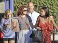 Брюс Уиллис и Деми Мур посетили выпускной своей дочери