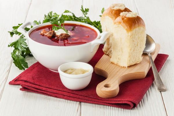 Рецепт                  Украинский борщ с пампушками