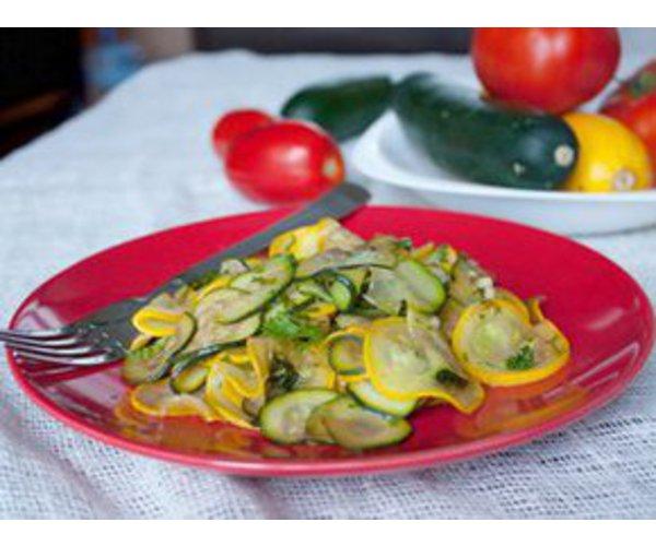 Рецепт                  Теплый салат из кабачков