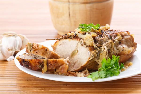 Рецепт                  Мясной рулет с чесноком