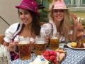 Оля Полякова победила в соревновании, выпив литр пива залпом