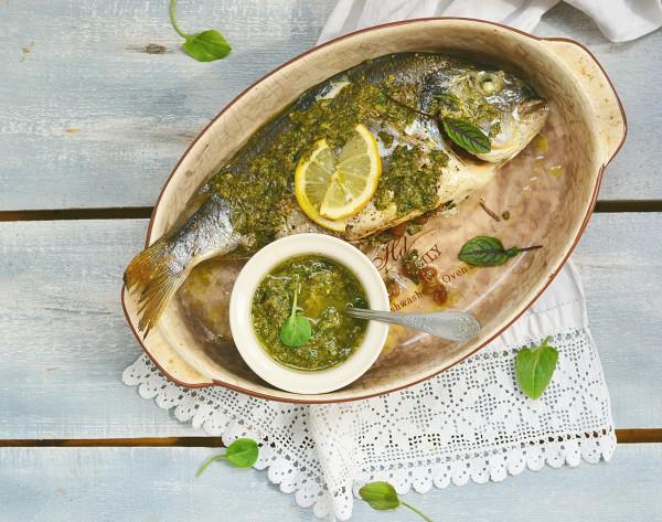 Рецепт                  Запеченная дорада со щавелевым соусом