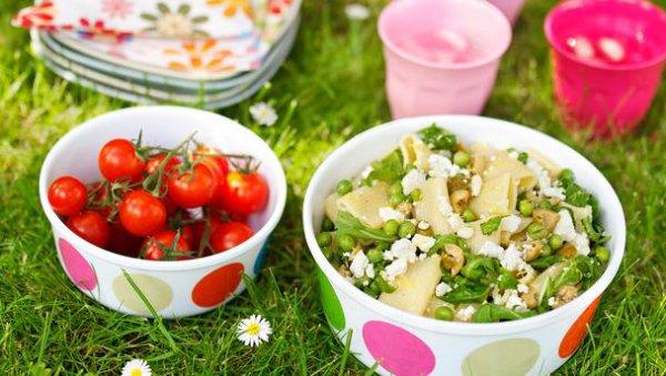 Рецепт                  Салат из пасты с фетой и зеленью