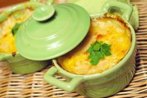 Креветочный жюльен с сыром
