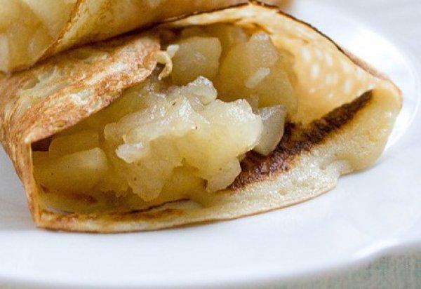 Рецепт                  Блинчики с яблочным соусом