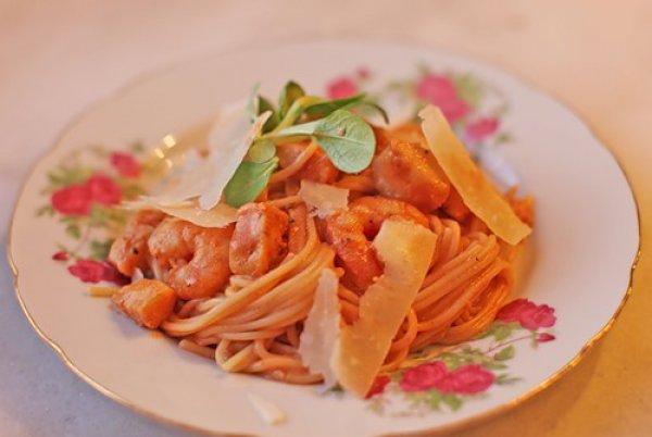 Рецепт                  Паста с креветками и гребешками