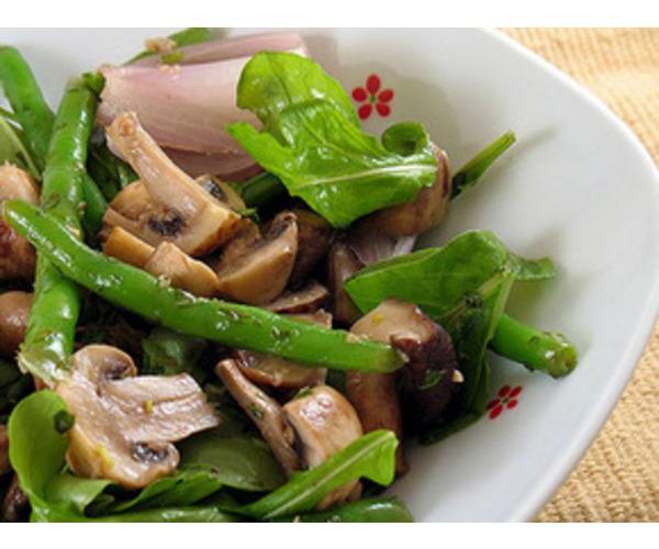 Рецепт                  Салат с шампиньонами и спаржевой фасолью