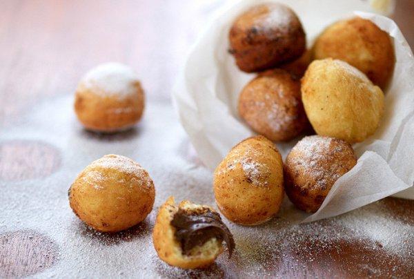 Рецепт                  Творожные пончики с шоколадной начинкой