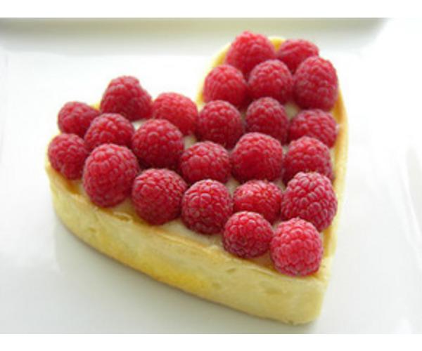 Рецепт                  Бисквитный торт с малиной