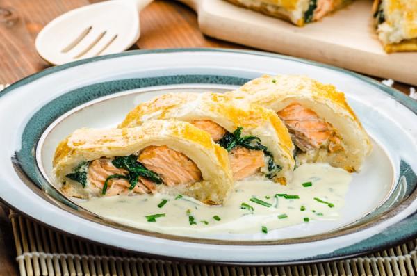 Рецепт                  Пасхальные рецепты: Рыба в шубе из слоеного теста