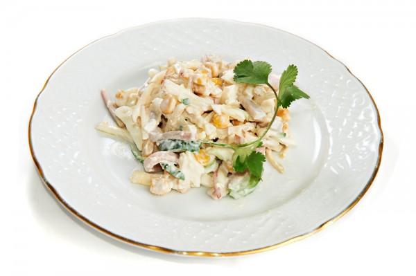 Рецепт                  Новогодние рецепты: Салат из кальмаров с кукурузой
