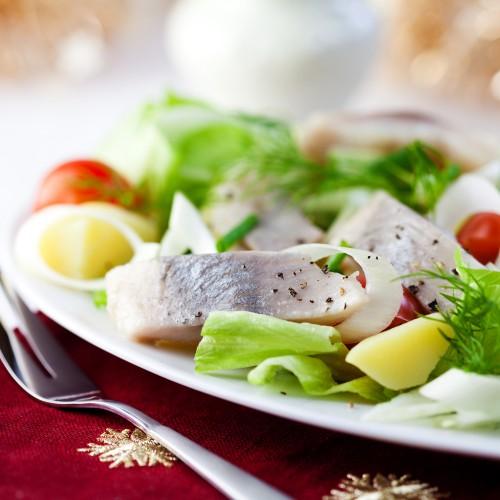 Рецепт                  Салат из сельди, яиц и картофеля