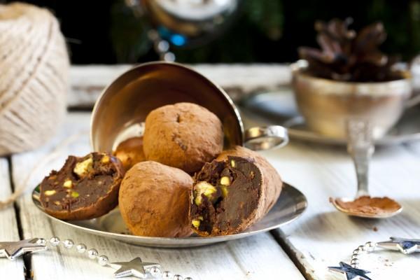 Рецепт                  Рецепты на Новый год: Трюфели с фисташками