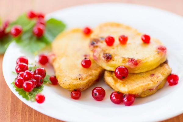 Рецепт                  Оладьи с красной смородиной