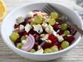 Салат из свеклы и винограда с сыром
