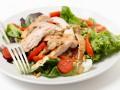 Рецепты салатов на Новый год: ТОП-5 вариантов с курицей и грибами