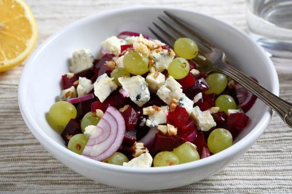 Рецепт                  Салат из свеклы и винограда с сыром