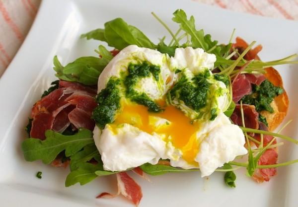 Рецепт                  Сэндвичи с яйцом-пашот к завтраку