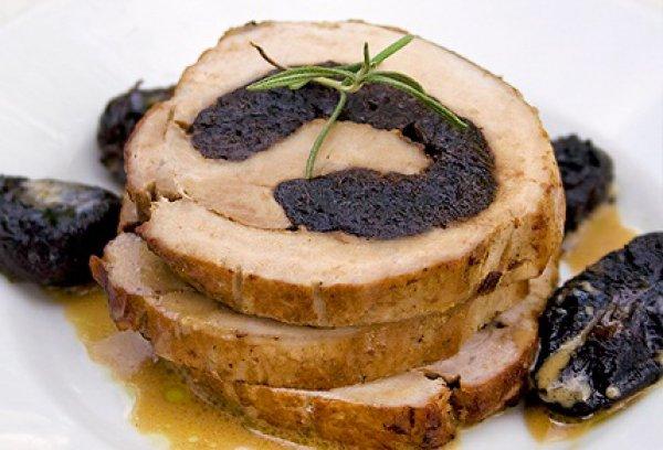 Рецепт                  Пасхальный рецепт: Рулетики из свинины с черносливом