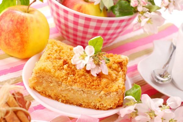 Рецепт                  Тертый пирог с творогом и яблоками