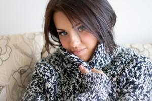 Пока организм не адаптировался к холодам, одеваться следует теплее, чем устойчивой зимой