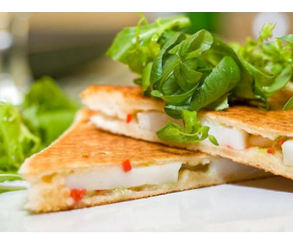 Рецепт                  Тост с морскими гребешками и салатом