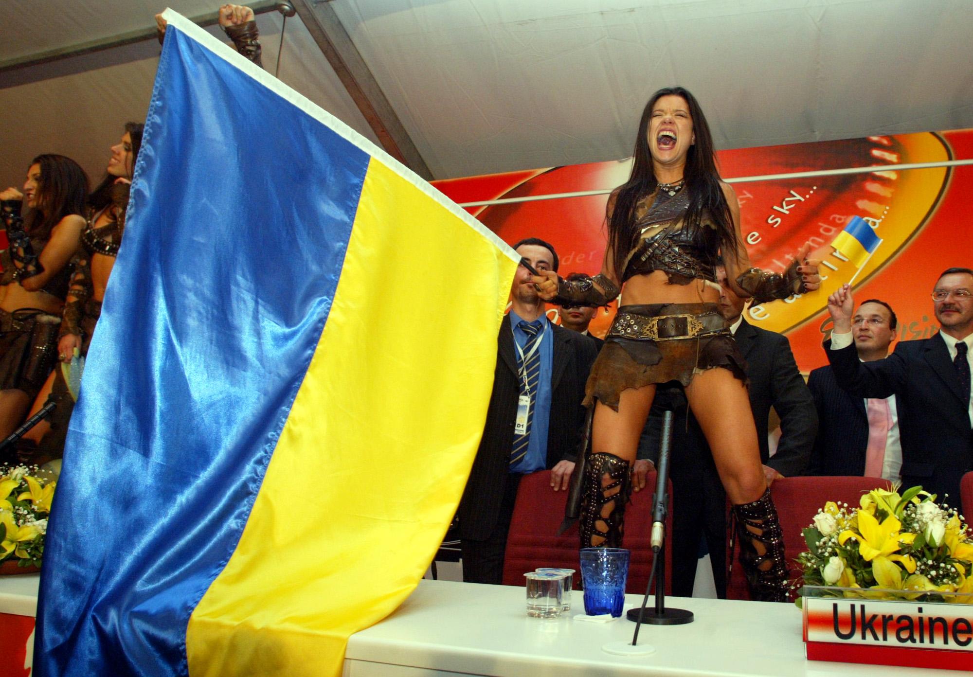 Руслана дикиє танці порно фото 25 фотография