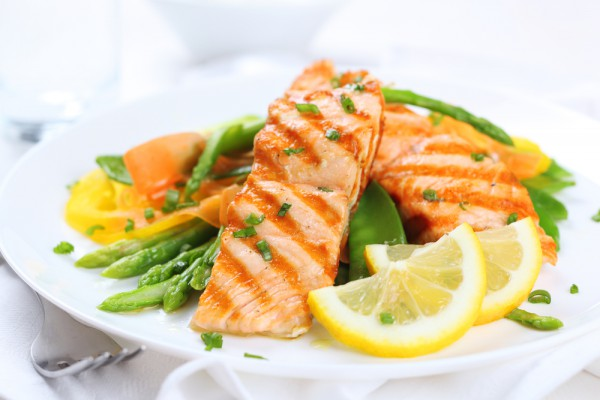 Рецепт                  Запеченная рыба с овощами и моцареллой