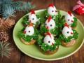 Фаршированные грибы с цыплятами из перепелиных яиц