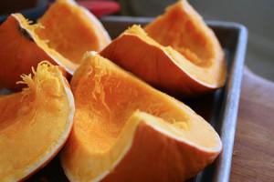 Перед приготовлением следует извлечь из тыквы семена