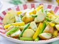 Теплый салат из картофеля и спаржи