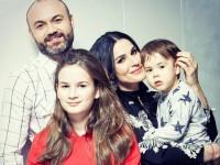Пасха 2017: Маша Ефросинина поделилась семейным снимком