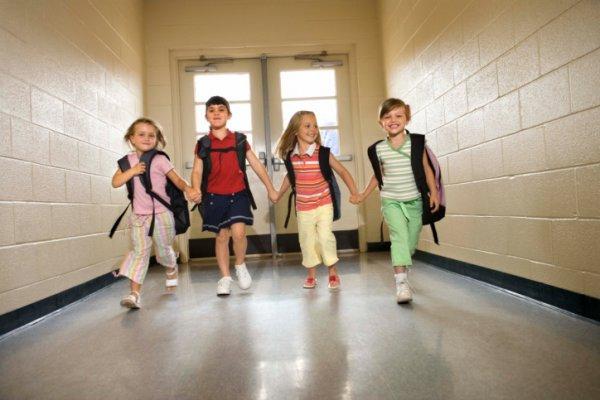 Отношение младшего школьника с одноклассниками