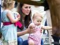 Кейт Миддлтон учит принца Джорджа ходить