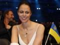 Бой Кличко-Леапаи: Жена Виталия Кличко в патриотичном наряде спела гимн