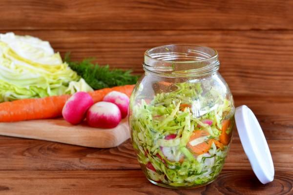 простые рецепты салатов из редиса