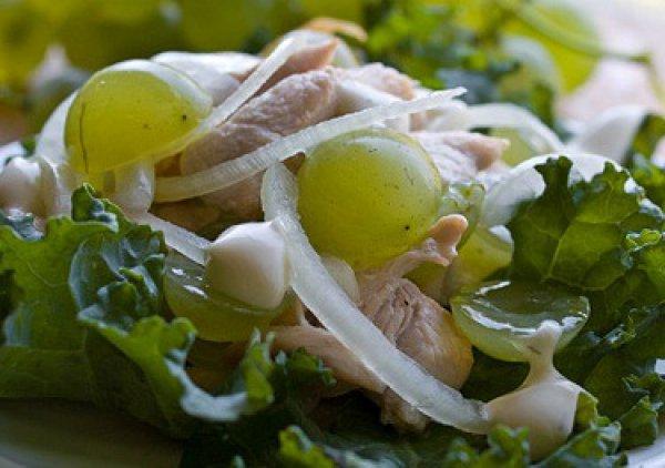 Рецепт                  Салат из курицы с виноградом