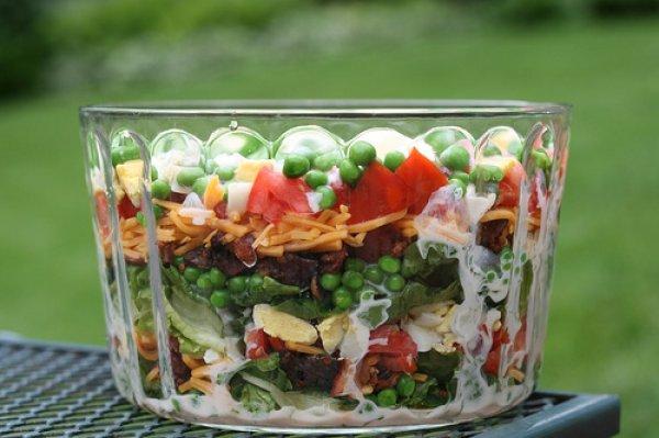 Рецепт                  Слоеный пасхальный салат
