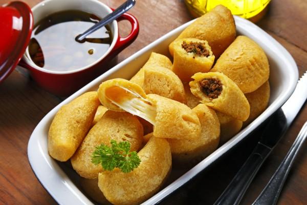 Рецепт                  Жареные пирожки с мясом